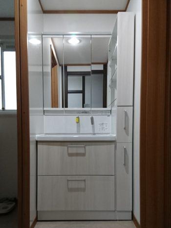リフォーム後の洗面台。脱衣所と分けました